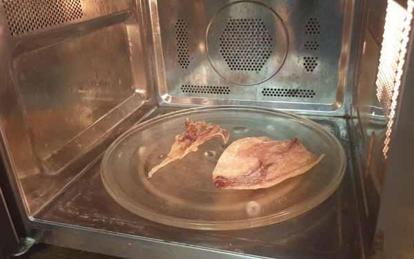 3 cách nướng mực bằng lò vi sóng dễ thực hiện tại nhà