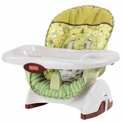 Nên mua ghế ăn dặm gỗ hay nhựa cho bé
